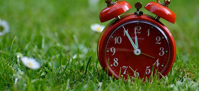 De klok gaat dit weekend weer op wintertijd!